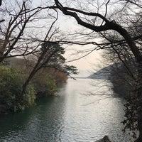 Photo taken at 천은사 (泉隱寺) by 대형 김. on 3/25/2018