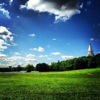 6/18/2013 tarihinde Alisa C.ziyaretçi tarafından Kolomenskoje'de çekilen fotoğraf