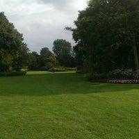 Photo taken at Rosarium Wokrestaurant Westbroekpark by Sayed Yousef A. on 8/2/2014
