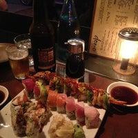 4/10/2013 tarihinde Joel O.ziyaretçi tarafından Domo Sushi'de çekilen fotoğraf