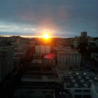 Photo taken at Holiday Inn San Francisco-Golden Gateway by Daniel Z. on 10/13/2012
