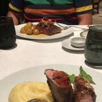 Foto tomada en St. Regis Restaurante por Sole R. el 2/12/2018