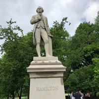 5/20/2018 tarihinde Douglas S.ziyaretçi tarafından Alexander Hamilton Statue'de çekilen fotoğraf