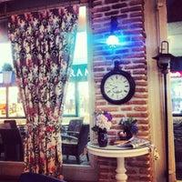 1/18/2013 tarihinde Eda K.ziyaretçi tarafından Cafe Time'de çekilen fotoğraf