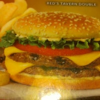 Photo taken at Red Robin Gourmet Burgers by Jeff R. on 10/14/2012