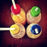 Foto diambil di Jonah's Fruitshake and Snackbar oleh Bryan C. pada 11/17/2012