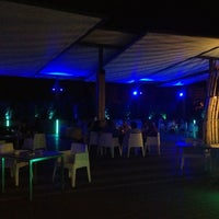 Photo taken at L'azotea lounge garden by Skicenter on 8/8/2013