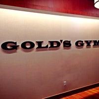 Foto scattata a Gold's Gym International da Geoff T. il 7/29/2013