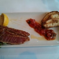 Photo taken at Le Steak Frites St-Paul by Thiago A. on 9/21/2013