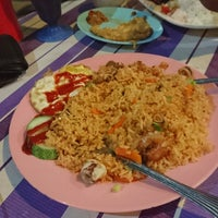 Photo taken at Kubang Lembu Cafe Corner ( KLCC ) by Akmal .. on 9/4/2016