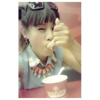 Photo taken at Cold Stone Creamery by thekillers i. on 5/17/2013