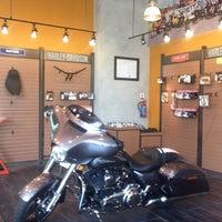 Photo taken at Mabua Harley-Davidson by Kang S. on 10/13/2014