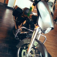 Photo taken at Mabua Harley-Davidson by Kang S. on 9/23/2014