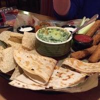 Photo taken at Applebee's Neighborhood Grill & Bar by Richard T. on 12/14/2014