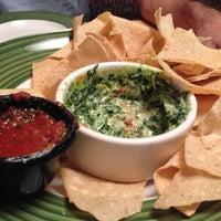 Photo taken at Applebee's Neighborhood Grill & Bar by Richard T. on 9/30/2012
