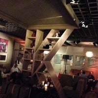 Снимок сделан в The K Lounge, The K Hotel пользователем Bander A. 2/7/2013