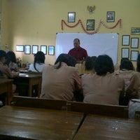 Photo taken at SMA Negeri 19 Surabaya by Rini T. on 11/29/2013