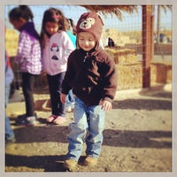 Foto diambil di Fantozzi Farms Corn Maze and Pumpkin Patch oleh Emma pada 10/28/2013