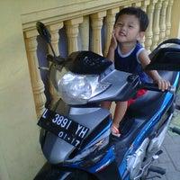 Photo taken at AHASS Honda manukan by Iwan N. on 12/22/2012
