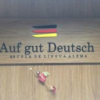 Photo taken at Auf gut Deutsch by Davi Z. on 8/23/2016