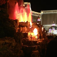 Photo taken at The Mirage Volcano by M B. on 6/10/2013