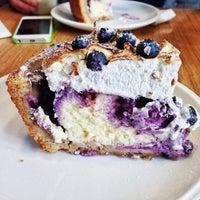 10/19/2013 tarihinde Daria T.ziyaretçi tarafından Breakfast Cafe'de çekilen fotoğraf