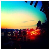 Foto tomada en Olive Beach por Daria T. el 6/29/2013