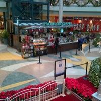 Das Foto wurde bei Starbucks von MT am 11/27/2012 aufgenommen