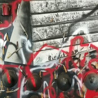 Das Foto wurde bei Mauer Museum - Haus am Checkpoint Charlie von Einar Irjan A. am 9/1/2017 aufgenommen