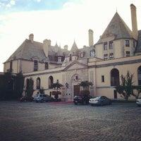 Photo taken at Oheka Castle Hotel & Estate by Tom W. on 9/3/2013