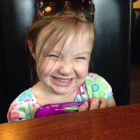 Photo taken at Zaxby's Chicken Fingers & Buffalo Wings by Victoria P. on 8/19/2014