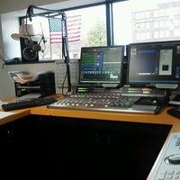 Foto diambil di KQYB Studio oleh Tony S. pada 10/14/2012
