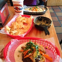 Photo prise au Torchy's Tacos par Simon W. le7/18/2013