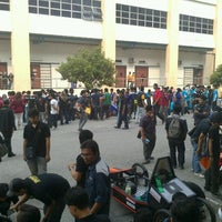 Photo taken at Faculty of Mechanical Engineering by aFiQ on 6/25/2013