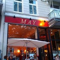 Das Foto wurde bei Cafe MAY von Najibo am 7/20/2013 aufgenommen