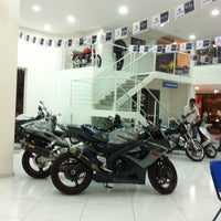 Foto tirada no(a) Moto Shopping - Suzuki por Edson G. em 4/16/2013