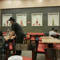 Photo taken at Wendy's by Fransisca Sandra C. on 12/27/2016
