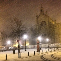 Foto scattata a Place Sainte-Catherine / Sint-Katelijneplein da Mélissa M. il 1/14/2013