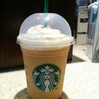 รูปภาพถ่ายที่ Starbucks โดย Jon A. เมื่อ 8/29/2014