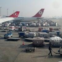 10/29/2013 tarihinde Steve S.ziyaretçi tarafından İstanbul Atatürk Havalimanı (IST)'de çekilen fotoğraf