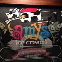 3/12/2013 tarihinde Brandon A.ziyaretçi tarafından Amy's Ice Creams'de çekilen fotoğraf