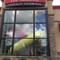 Photo taken at Chick-fil-A by SooFab on 9/4/2015
