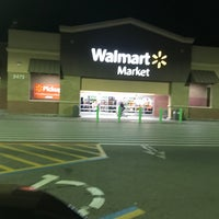 Photo taken at Walmart Neighborhood Market by SooFab on 1/26/2017
