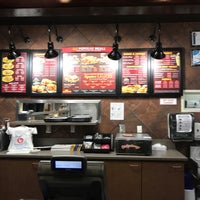 Photo taken at Zaxby's Chicken Fingers & Buffalo Wings by SooFab on 4/29/2017