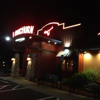 Photo taken at LongHorn Steakhouse by SooFab on 8/6/2013