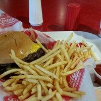 Photo taken at Freddy's Frozen Custard & Steakburgers by Matt L. on 8/27/2015