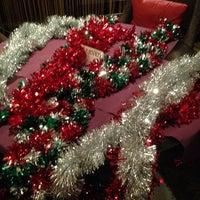 Снимок сделан в Repin Lounge Bar & Restaurant пользователем Mary L. 12/21/2013