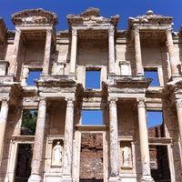 5/31/2013 tarihinde Onore ⚡.ziyaretçi tarafından Efes'de çekilen fotoğraf