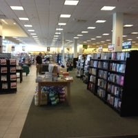 Photo taken at Barnes & Noble by Raymond J. on 5/17/2012
