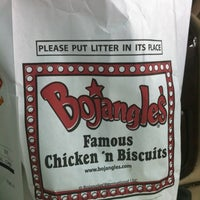 Photo prise au Bojangles' Famous Chicken 'n Biscuits par Olivia M. le8/23/2012